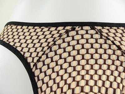 Quần lót Lọt Khe Lưới vải tuyn sọc vàng 105E